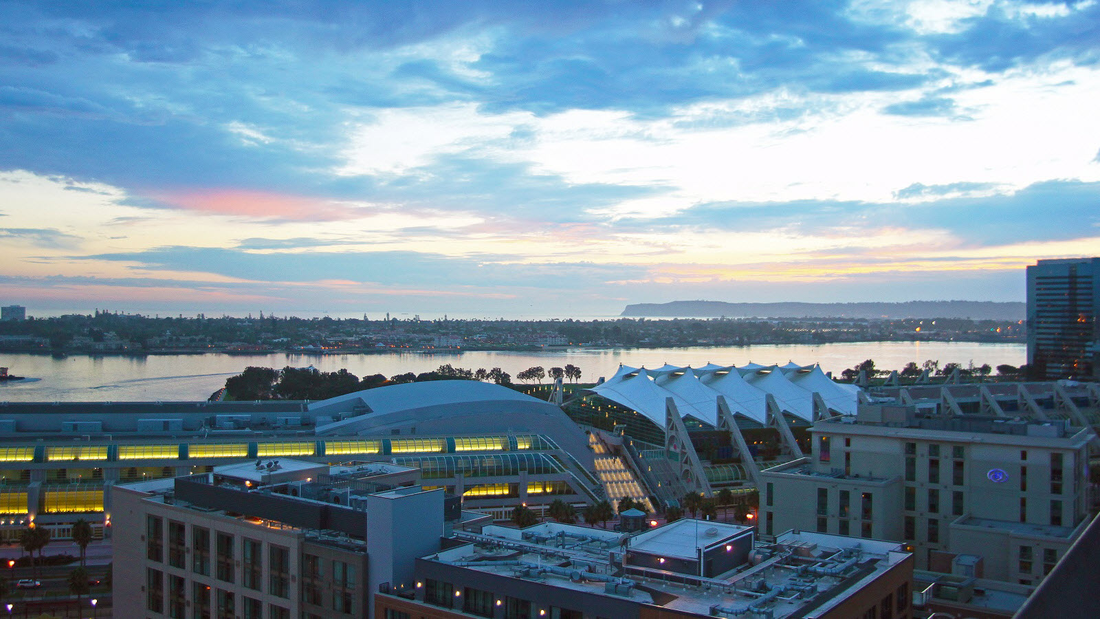 Hotels Near San Diego Convention Center - Convention Center