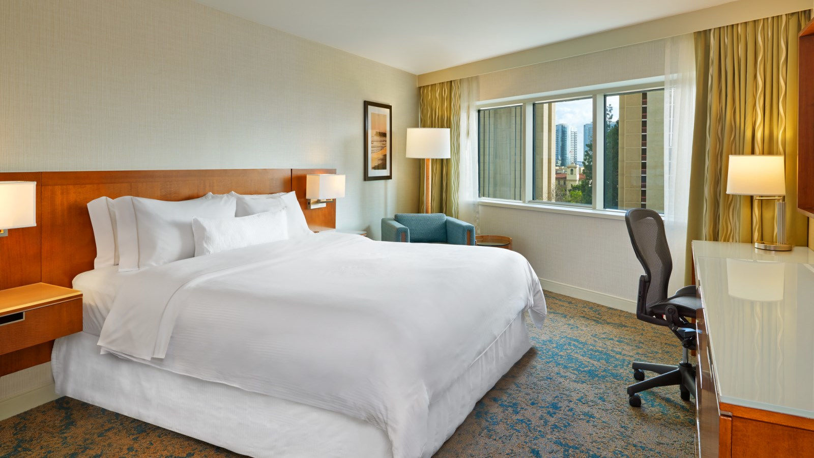 The Westin San Diego Hotel - Traditional Guestroom