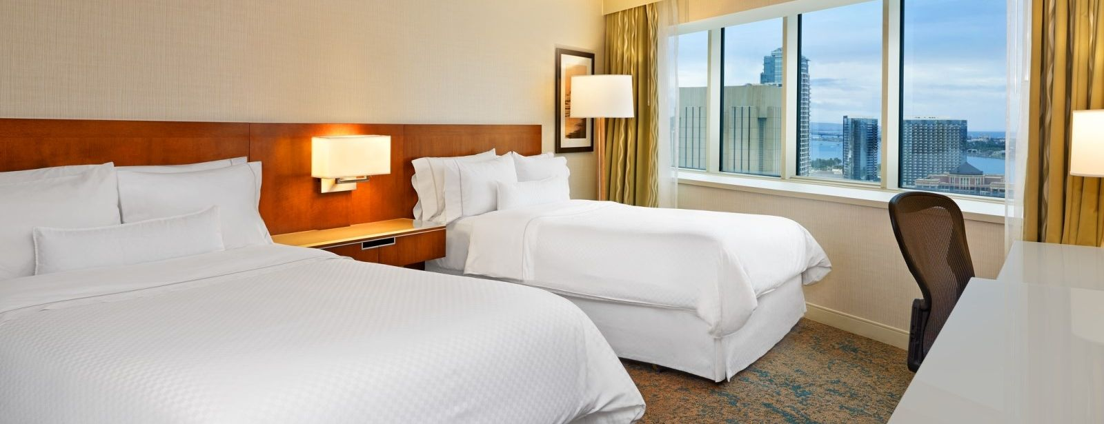 The Westin San Diego Hotel - Deluxe Guestroom